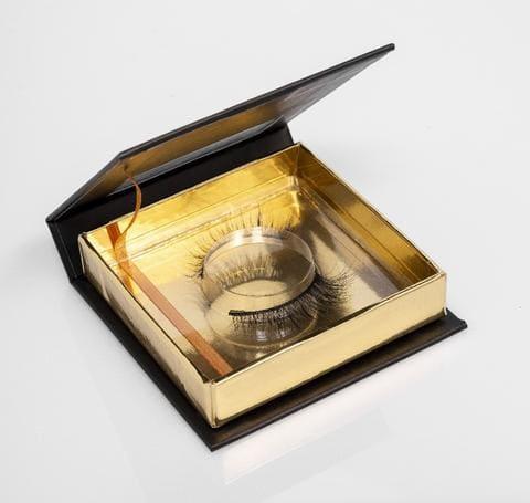 Khethiwe eyelashes in product box